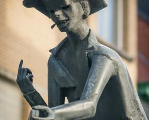 standbeeld peegie